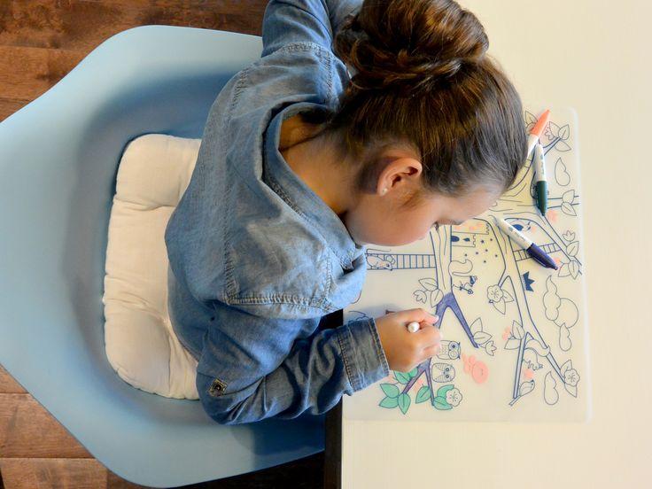 Set de table à colorier à l'infini kid colouring tablemap bpa free