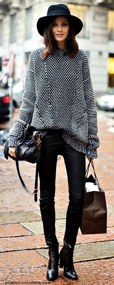 Oversized sweater with leather tights, beautiful leather ankle boots and oversized fedora #StylingOn #StylistOnDuty #Fashion #GetStyled #StreetStyle #CityChic