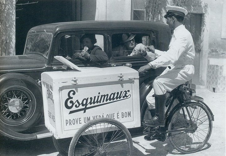 Ice cream salesman Lisbon 1930