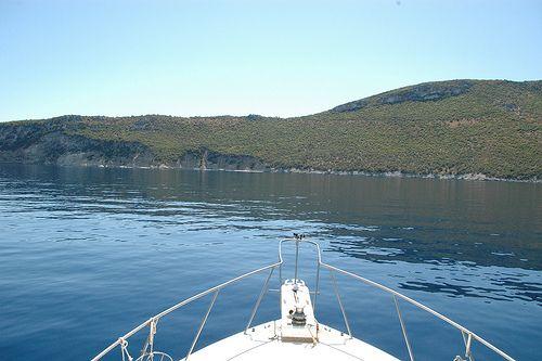 Cerulean waters, inviting landscape