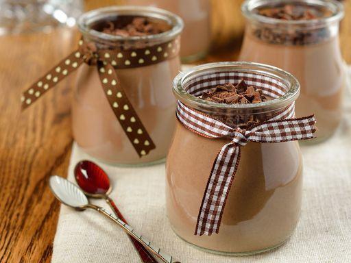 oeuf, crême fraîche, lait, farine, maïzena, chocolat, sucre