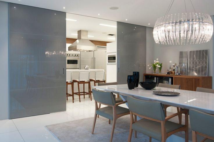 Cozinhas escondidas em armários/portas de correr - veja modelos lindos e dicas!