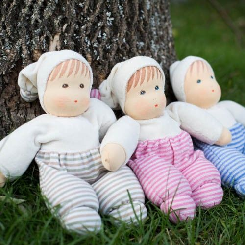 Organic Waldorf Baby Dolls, made in Germany. From Bella Luna Toys.Waldorf Toys, Waldorf Baby, Beautiful Moon, Waldorf Dolls, Baby Dolls, Nature Toys, Cuddling Dolls, Organic Waldorf, Luna Toys