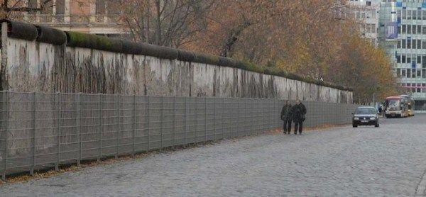 Almanya'dan sığınmacılara karşı yeni 'Berlin Duvarı'