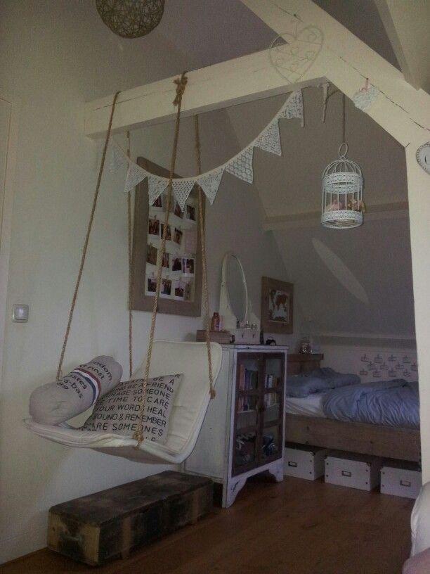 Legerkist, schommelstoel DIY, kussen met tekst DIY, bed steigerhout