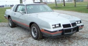 10 affordable muscle cars for the poor and in school. just like me
