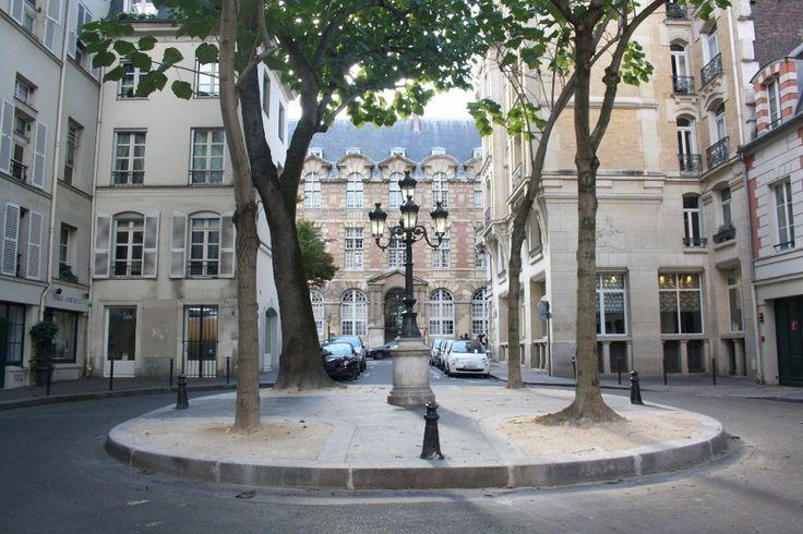Place de Furstenberg. // Siete de las plazas más bonitas de París.