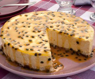 Receita de Torta-mousse de maracujá - Show de Receitas