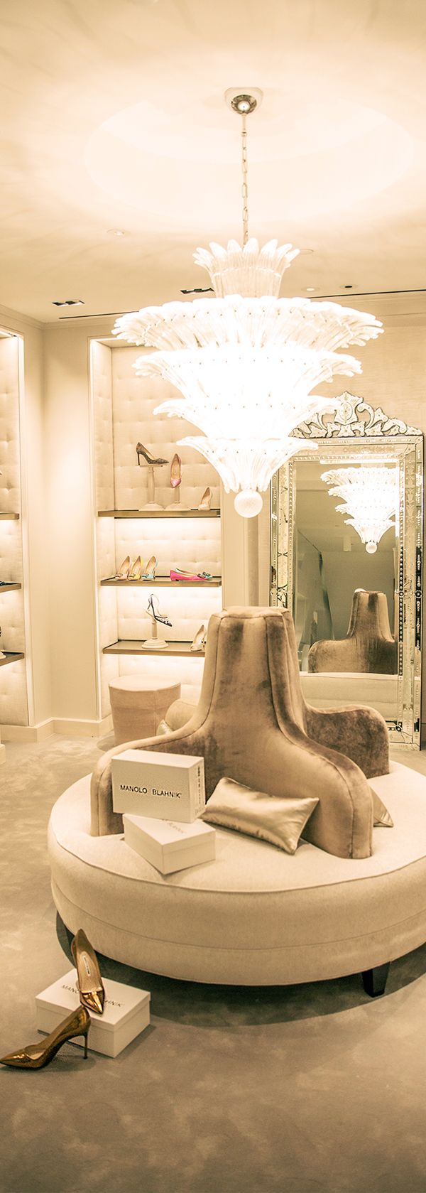 Discover our #NYC flagship's new #ManoloBlahnik shop. #10022Shoe