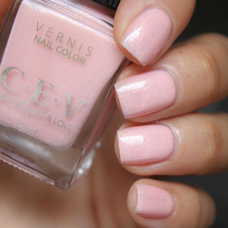 Peony Bouquet @cevnailpolish шиммерный нежно розовый лак в три слоя #cevnailpolish