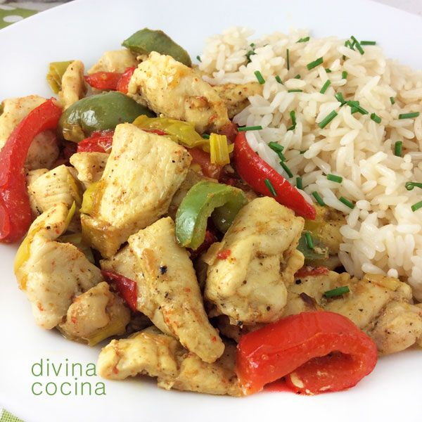Esta receta de pollo al curry salteado con pimientos se prepara en un momento. Si acompañas con arroz blanco tienes un plato delicioso y completo para todos.