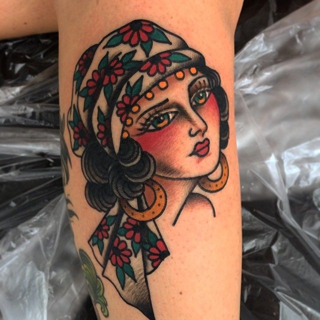 Tattoo Woman Gypsy: 25+ Best Ideas About Traditional Gypsy Tattoos On