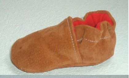 Good pattern for sewing moccasin style shoes. Upcycle suede or leather from thrift stores.