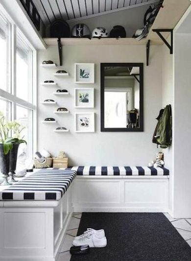 Black and White - Mudroom Ideas