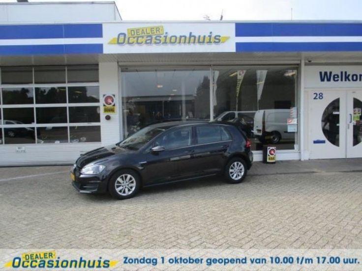 Volkswagen Golf  Description: Volkswagen Golf 1.6 TDI 5-DRS Edition BlueMotion (Airco/Navigatie)  Price: 195.63  Meer informatie