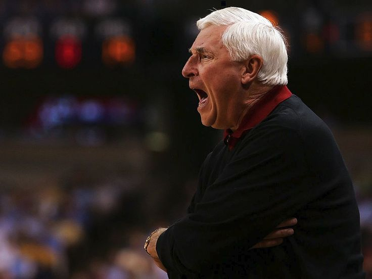 Bob Knight says he will never return to Indiana University and he hopes the school leaders 'are all dead'