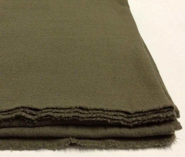 Bed, coperta matrimoniale Society colore verde militare.
