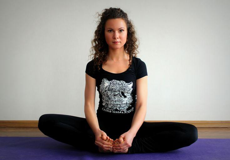 #Yoga is an excellent way to wake up your body and mind.   What' s yours?)    I create pictures and illustrations for wear & accessories.  Enjoy!  Здоровый образ жизни и любовь к окружающему миру.  #yoga #art #print #design #tiger #ink  Новая Коллекция принтов от Julia Grad «ANIMAL LOVE» ( inspired by vegetarian life)  http://juliagrad.tumblr.com/  http://instagram.com/julia_grad