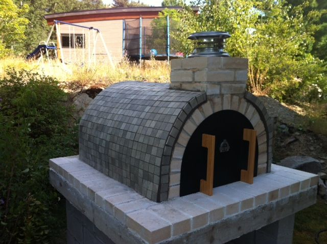 Reimer Wood Fired Diy Brick Pizza Oven In Bc Canada Brickwood Ovens Brick Pizza Oven Bricks Pizza