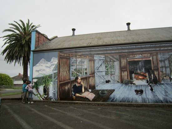 Tasmania's Town of Murals, Sheffield – A Colorful Outdoor Art Gallery where a lot of the buildings in the town have something painted on them. #Tasmania