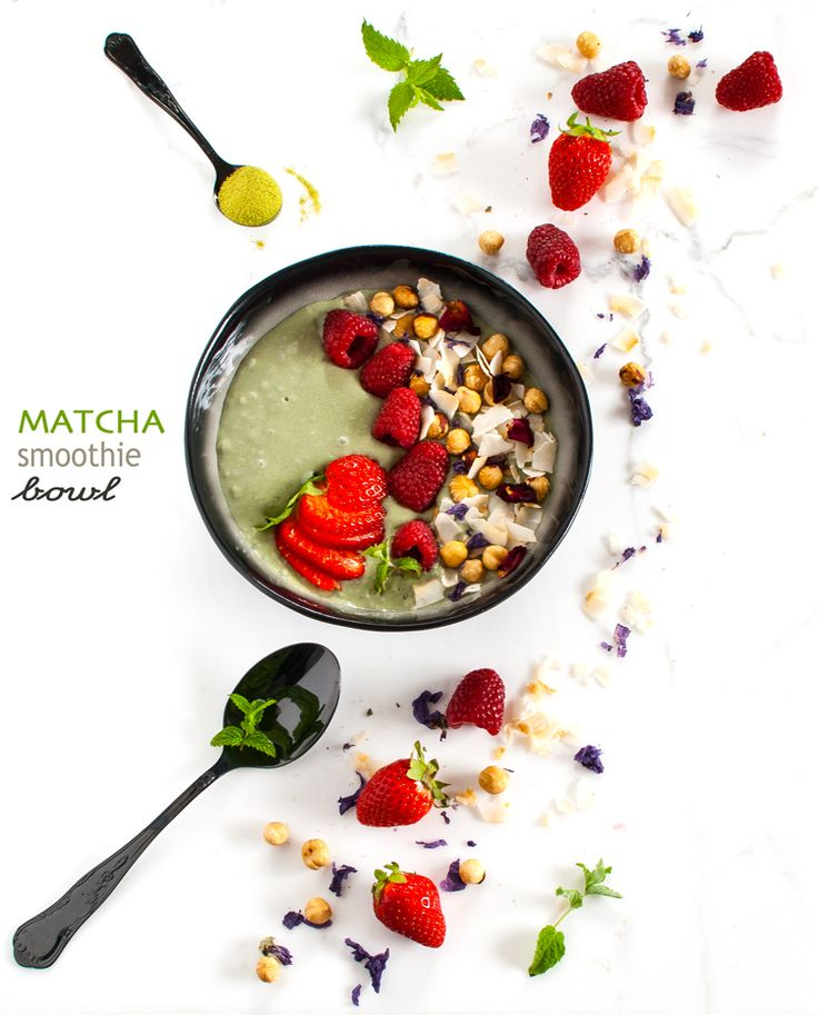 Matcha smoothie bowl