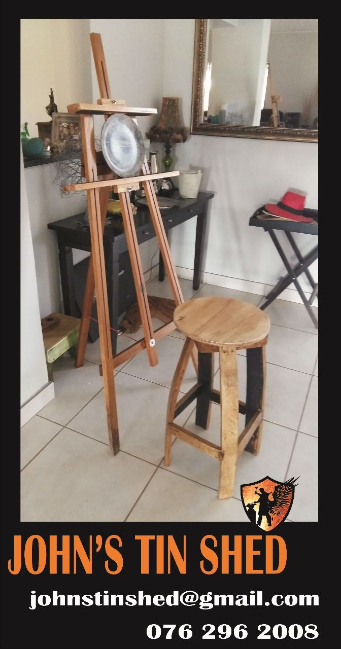 Easel with chair