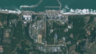 High resolution (file size 103M) satellite image of Fukushima Daiichi Nuclear Power Plant (aka Fukushima I)in Japan taken by the GeoEye-1 satellite on November 15, 2009,
