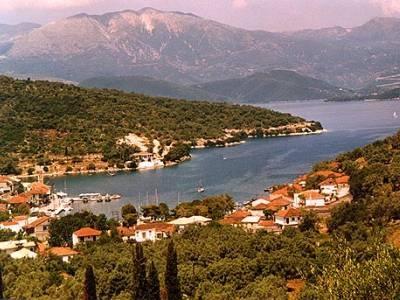 De haven van Kioni. Zeilvakantie Levkas/Ionische zee.  2004.