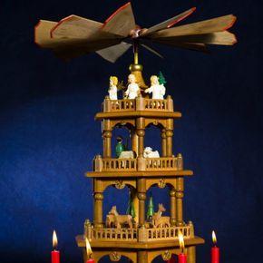 Eine Weihnachtspyramide selber bauen: So gelingt es