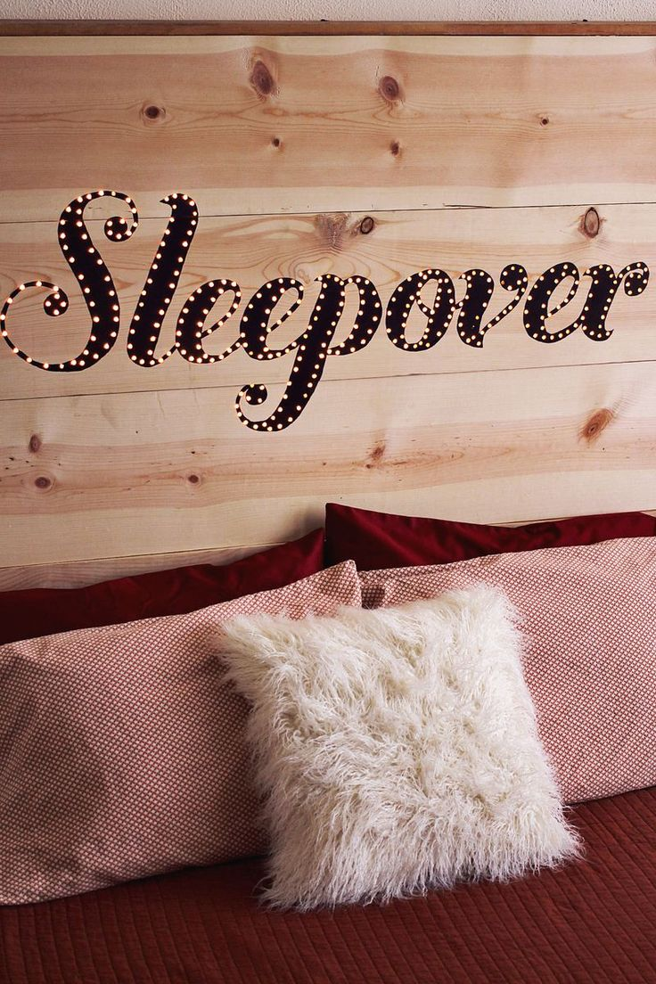 Budget bedroom makeover ideas: 25 wonderful DIY headboard projects Sleepover bedroom write