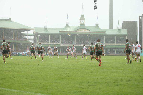 @GregGrowden takes famous Australian sporting walk to watch
