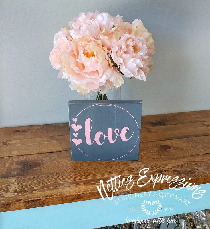 Love circle 5.5x6 Wood Sign - Netties Expressions