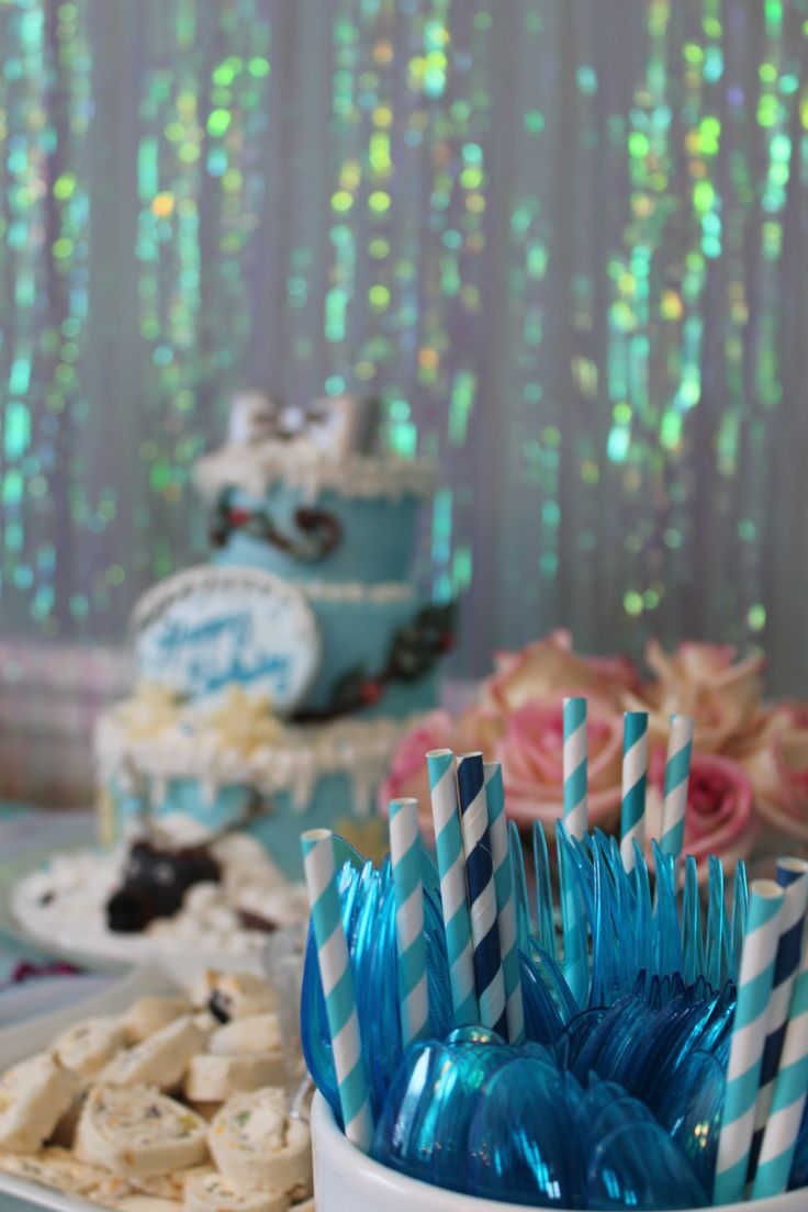 Elegant birthday table decorations - Our Disney Frozen Birthday Party Table Decor All Fun Easy And Elegant Diy