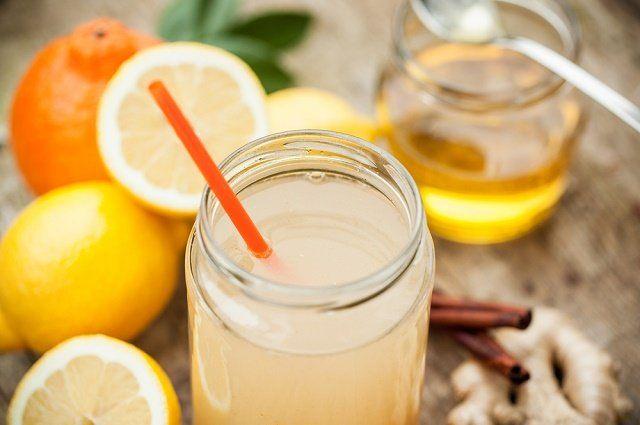 Prepare, em casa, limonada quente com gengibre e mel - http://comosefaz.eu/prepare-em-casa-limonada-quente-com-gengibre-e-mel/