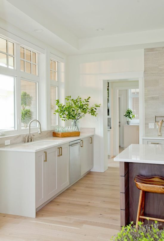 hardwood cabinets kitchen 17 best images about hgtv jillian harris it or 1573