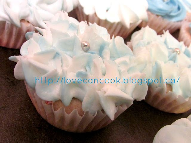Cooking With Love: GLUTEN FREE VANILLA CUPCAKES