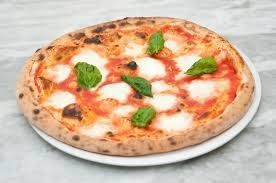 Risultati immagini per pizza margherita