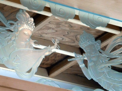 Fairy in the temple etched transom飛天エッチングの現場写真です 【寺院 欄間エッチング】 - 松岡順子 [マイベストプロ福岡]