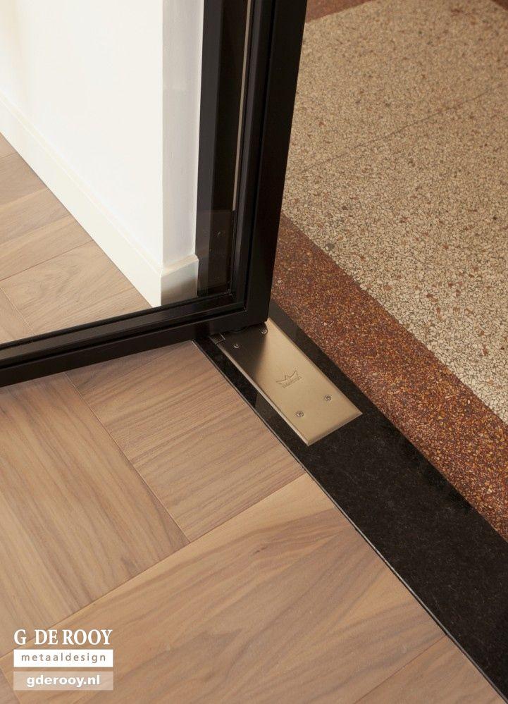 http://www.stalen-binnendeuren.nl/voorbeelden-stalen-deuren/11-dubbele-taatsdeur-dorma-hazerswoude