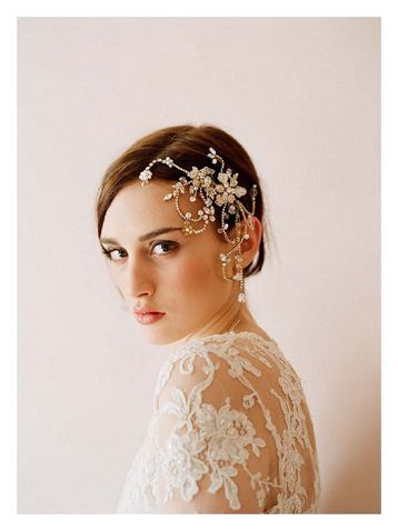 Sweet Short Hair Ways for Your Big Day   Bridal and Wedding Planning Resource for Wisconsin Weddings   Wisconsin Bride Magazine