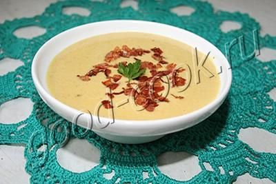 Кукурузный суп с крабовым мясом