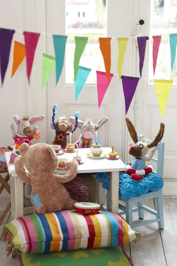 soft toys lief lifestyle 10   Colorful kids room, Kids playing ...