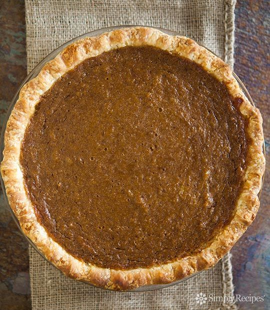 Easy And Delicious Traditional Pumpkin Pie Recipe With
