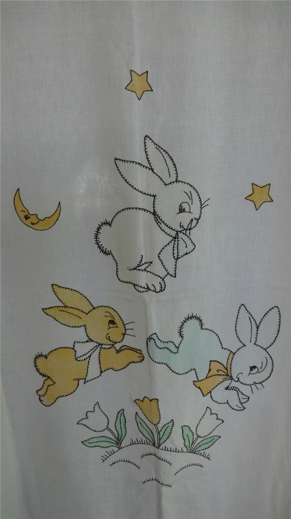 Jumping bunnies crib coverlet