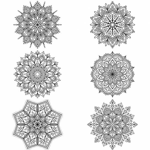 A few of the mandalas I have available, only limited spots left til I leave for my holiday! For quotes and availabilities email me at siarnlikescats@hotmail.com #mandalas #mandalaart #ipadpro #ipadproart #amaziograph