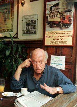 Eduardo Galeano, escritor uruguayo reconocido por sus obras de crítica y análisis político.