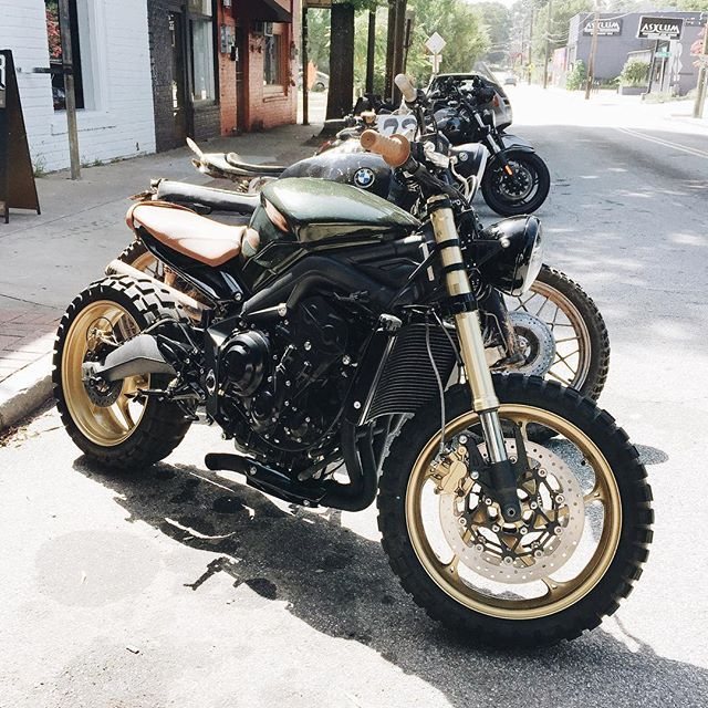 """brothermoto: """"Andrew stopped by on his maiden voyage of his custom built Triumph Speed Triple #triumph """""""