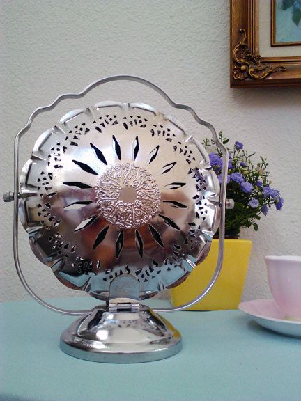 Beautiful 1930s Art Deco Silver Plated Tiered Folding Tea Dessert Serving Plate Like New
