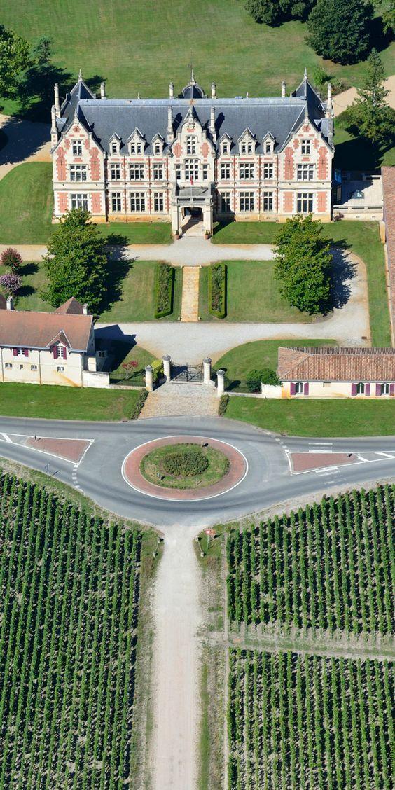 Le #bordelais regorge de #château viticoles à visiter lors de vos #voyages ou week-end gastronomique