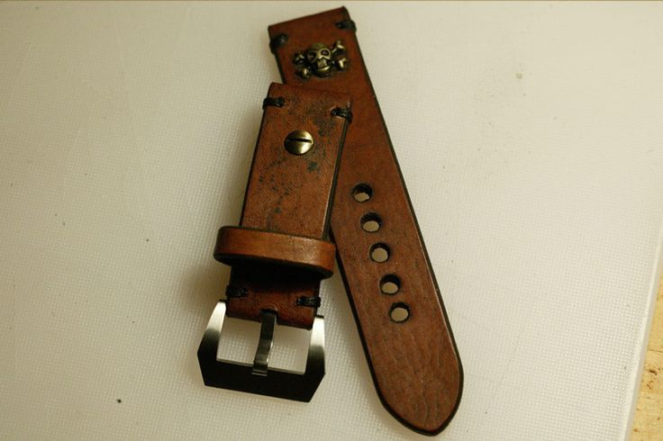 24mm natural hand made leather strap :http://zappacraft.com/index.php/product/no-14-natural-hand-made-leather-strap/